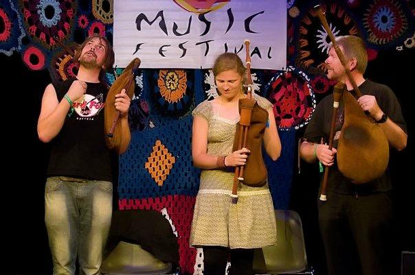 Leana Vapper - Dhoore - Muusika on keel, mida kõik südamed mõistavad