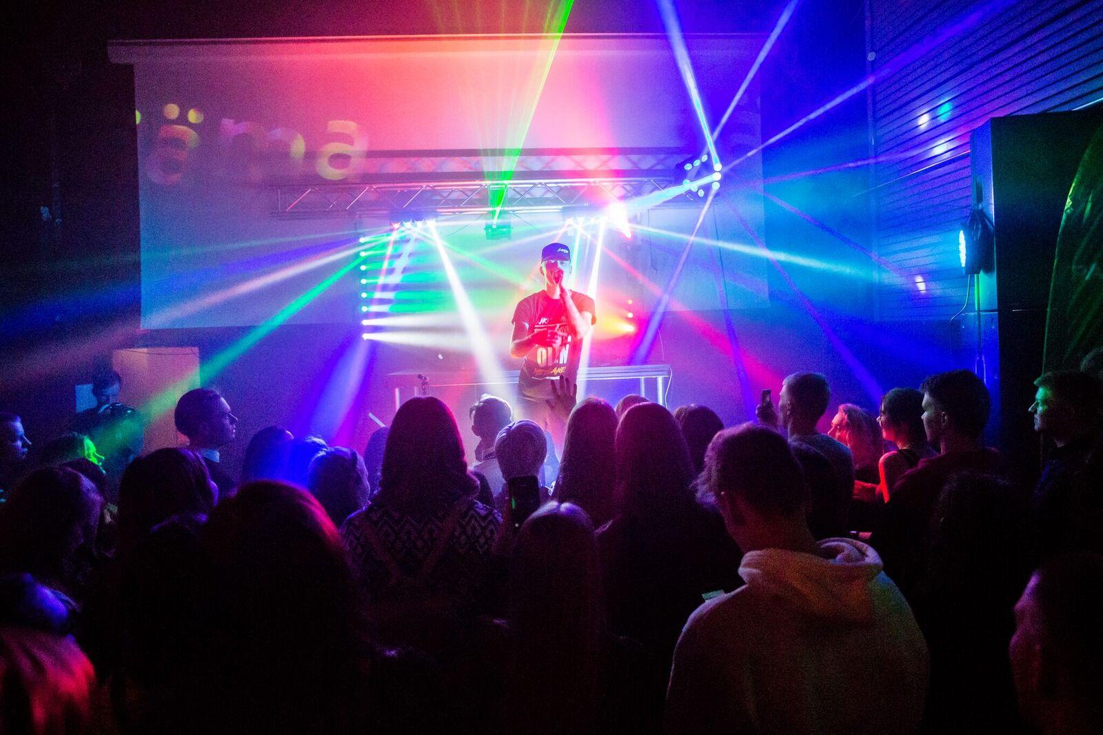 Taaskasutuskampaania #ärarääma kutsus noori muusika abil loodushoidu panustama