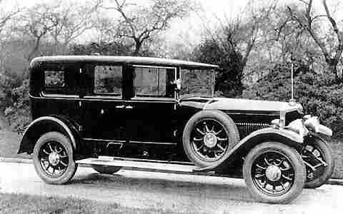Autotööstuses on aegade algusest pööratud suurt tähelepanu disainile, sest auto omamise üks olulisi motiive on staatus. Foto veebist: evolutionofthecar.weebly.com
