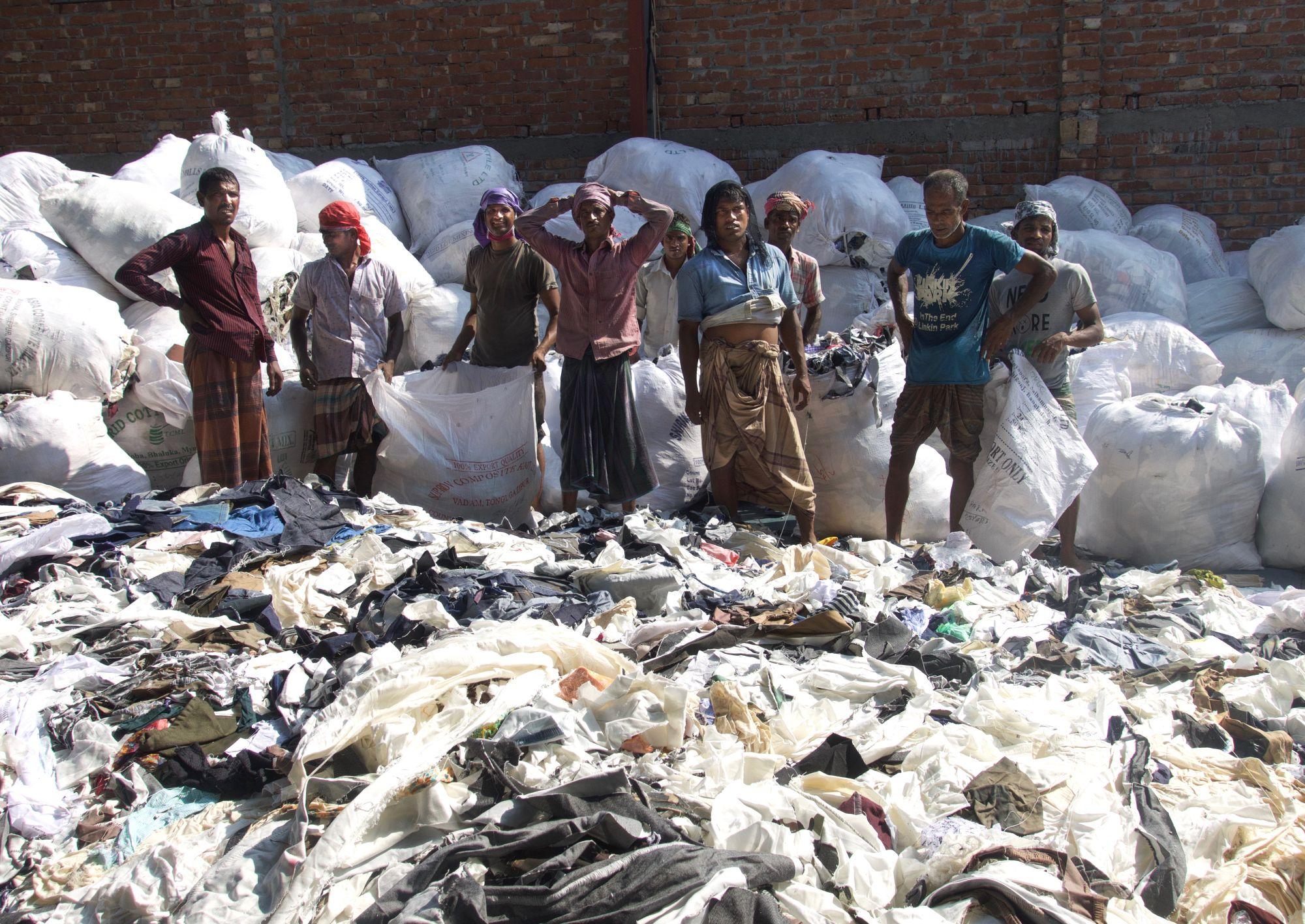Tootmisjääkide sortimine Dhakas