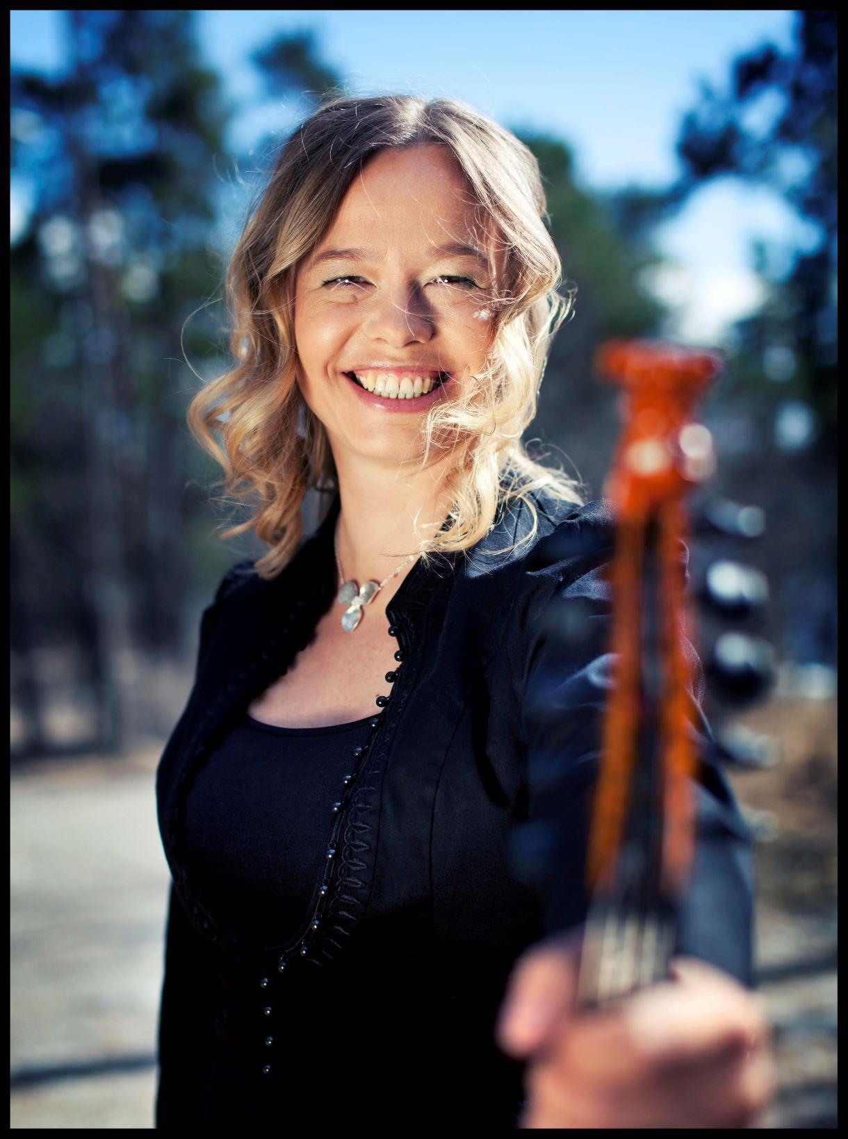 Norra hardangeri viiuli pärl Anne Hytta esineb Reval folgil!