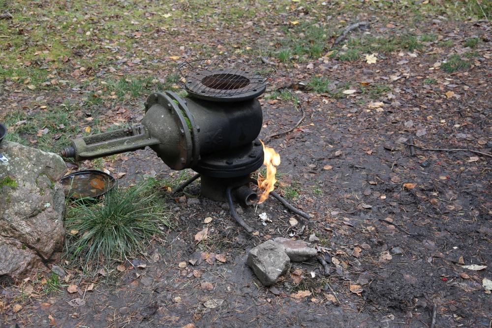 Maagaasi kütusena kasutades saaks lihtsasti lõunasöögiks toki otsas vorstikesi küpsetada. Foto: Nele Verhovtsova.