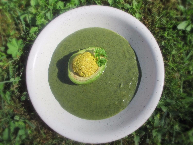 Vegan neljapäev - nõgesesupp ja täidetud avokaadod