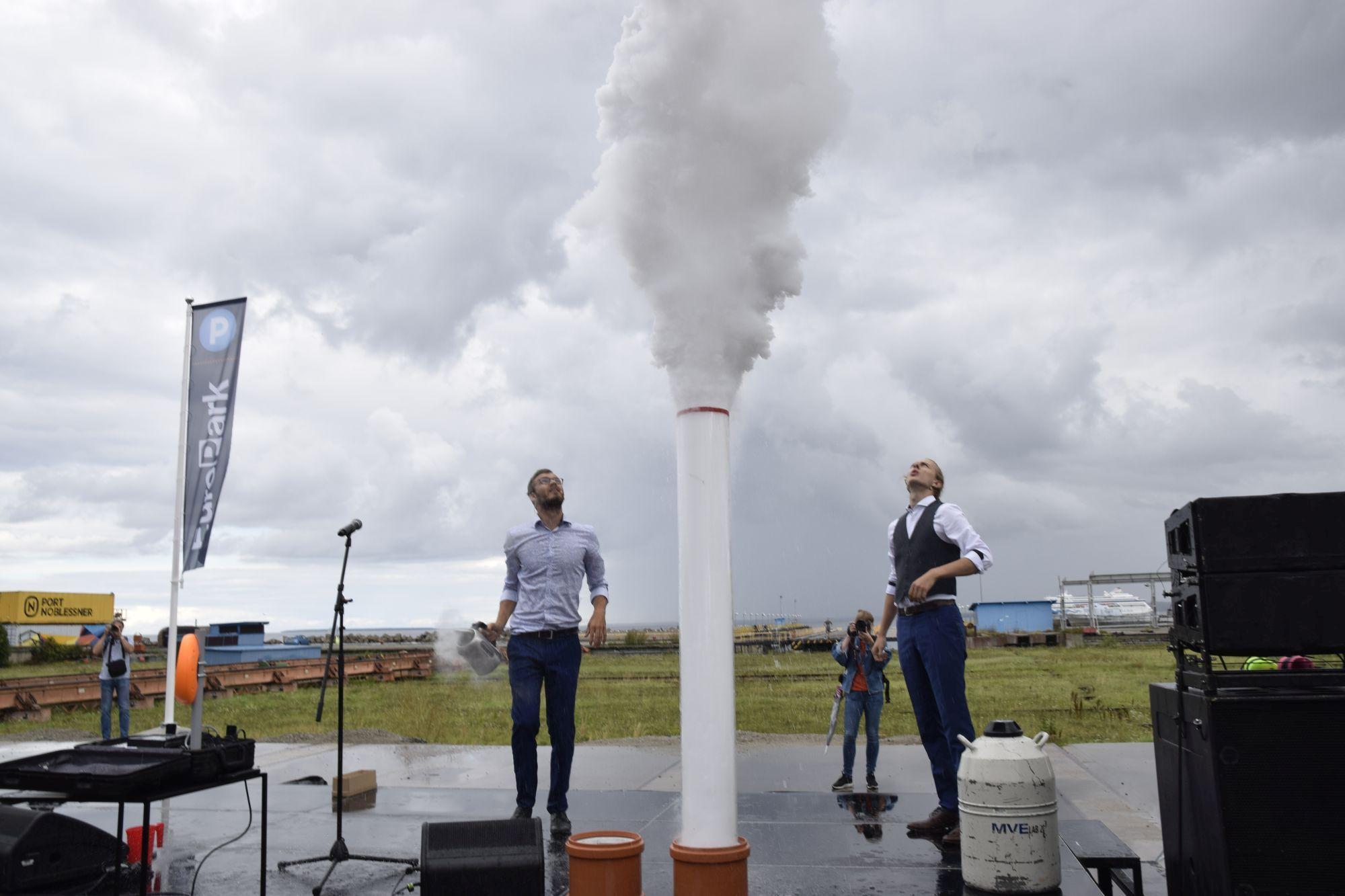 Foto: Teadusteater näitab gaasi survet. Janek Jõgisaar, Bioneer.ee