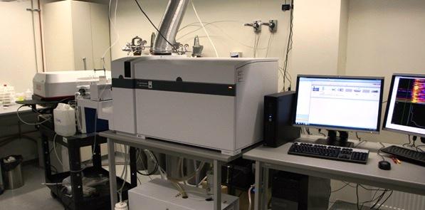 TÜ Geoloogia osakonnas paiknev laser-avlatsiooni induktiivsidestatud plasma massspektromeeter (LA-MCI- MS), millega mõõdeti kalade kuulmeluude jägelementide sisaldusi
